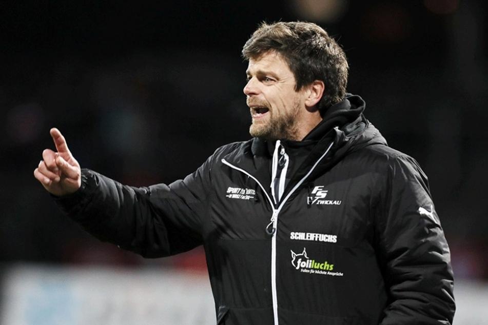 FSV-Coach Torsten Ziegner zeigt es an: Ihm fehlt ein Spieler, der ein Spiel auch mal allein entscheidet.