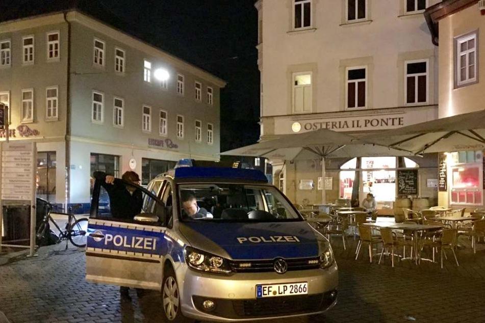 Die Polizei rückte nach dem Vorfall am Wenigemarkt an.