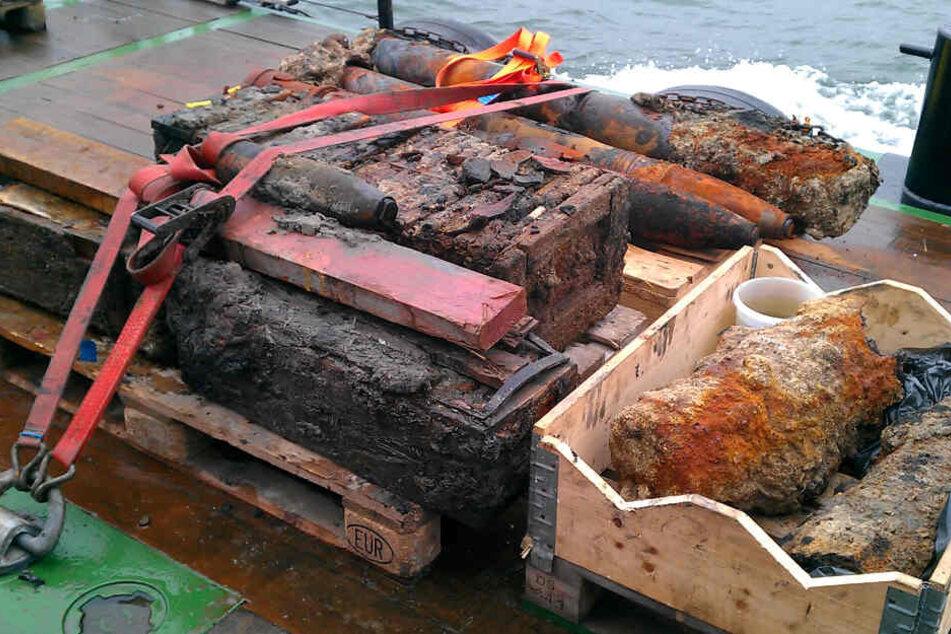 Beim Bau einer Kabeltrasse zu einem Offshore-Windpark wurde Altmunition gefunden. (Archivbild)