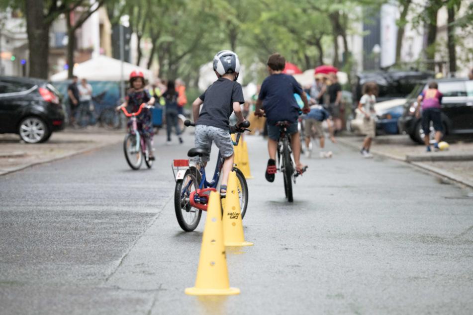 Fahrradstraße, verkehrsberuhigter Bereich, Spielstraße: Diese Regeln gelten für Autofahrer