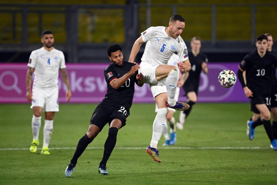 Island agierte im zweiten Spielschnitt viel körperbetonter und war schnell am ballführenden Deutschen dran.