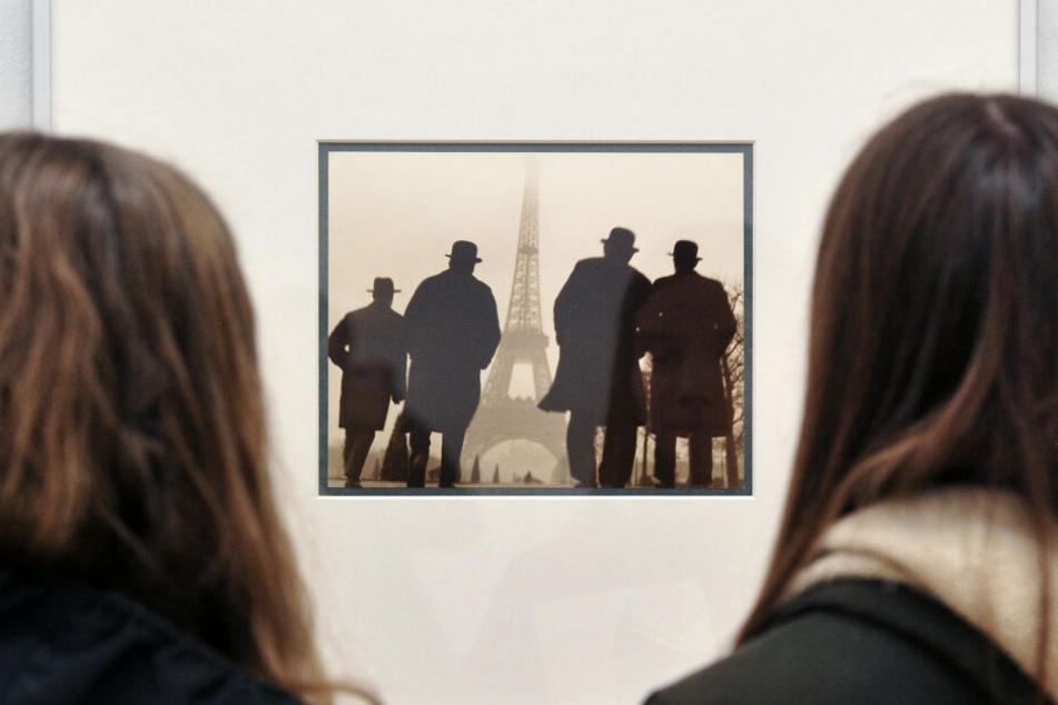 Die Ausstellung vereint bedeutende Werke aus mehreren internationalen Sammlungen.