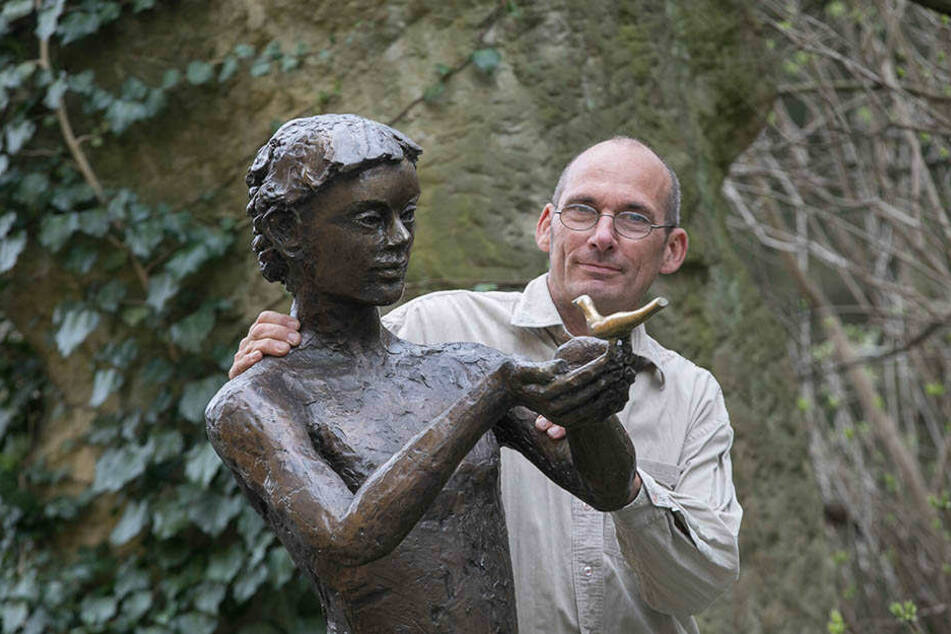 Der Dresdner Künstler und Bildhauer Thomas Reichstein (56) will auch diese  lebensgroße Figur auf die Bastei schaffen.