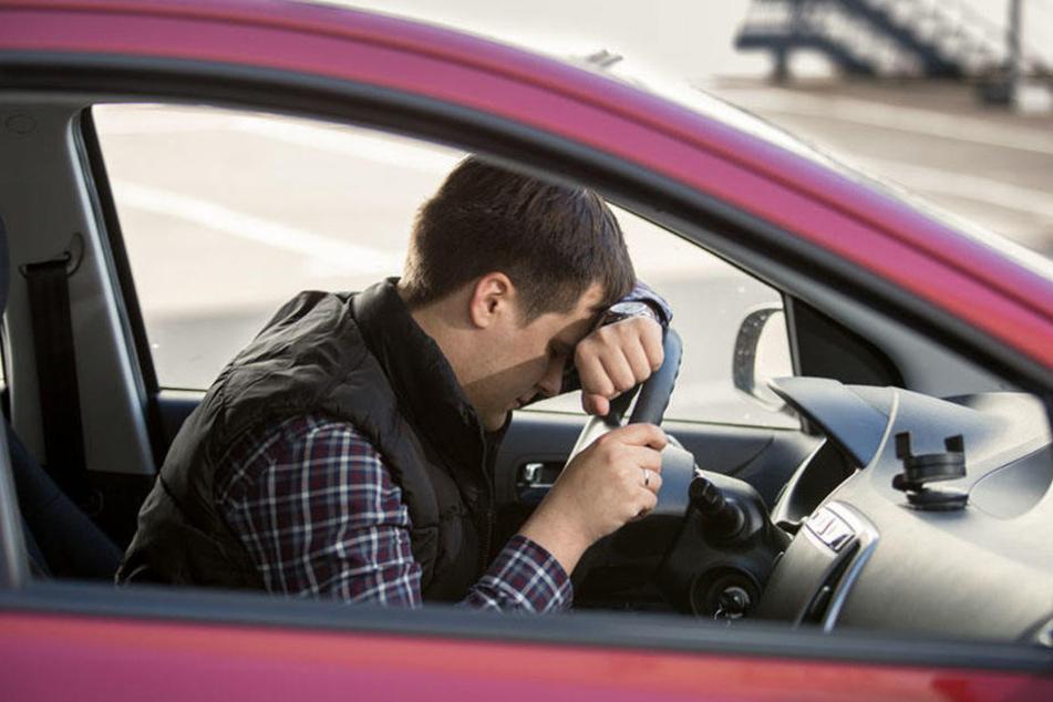 Der Mann musste einen Blutprobe und den Führerschein abgeben. (Symbolbild)