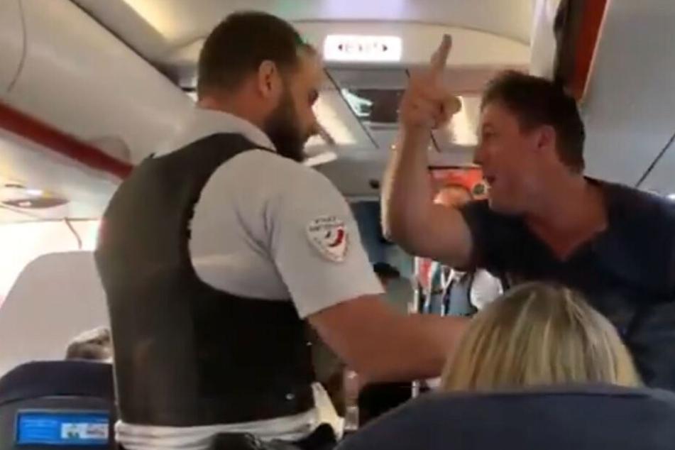Paar will nach Spanien fliegen, doch der Pilot landet ungeplant in Frankreich, um es rauszuwerfen