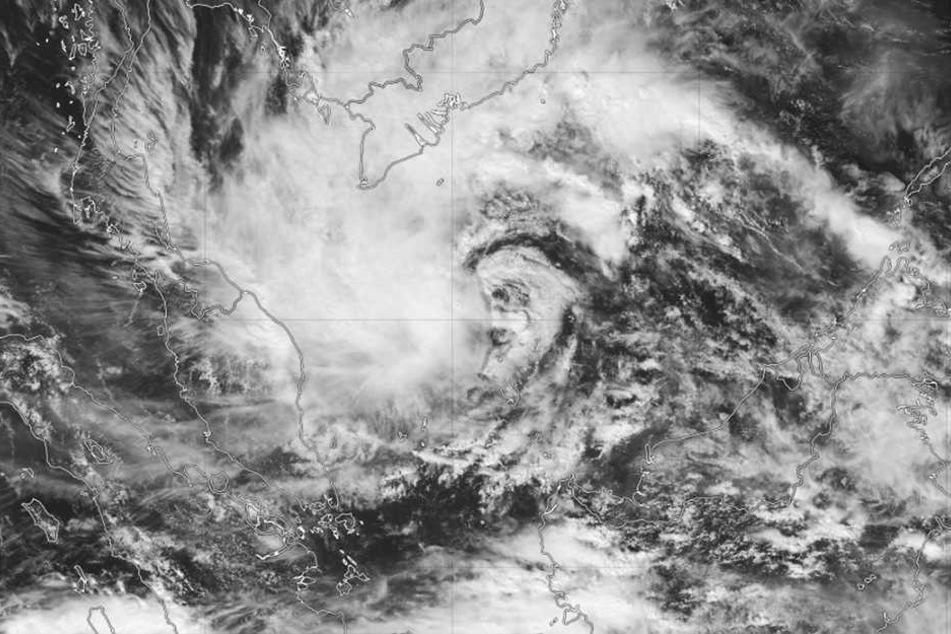"""Der Tropensturm """"Pabuk"""" befindet sich derzeit über dem Südchinesischen Meer."""