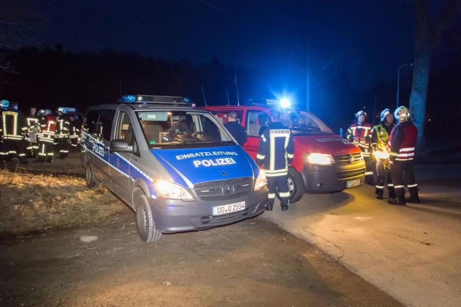 Polizei und Feuerwehr suchten am Montagabend nach dem Mann.
