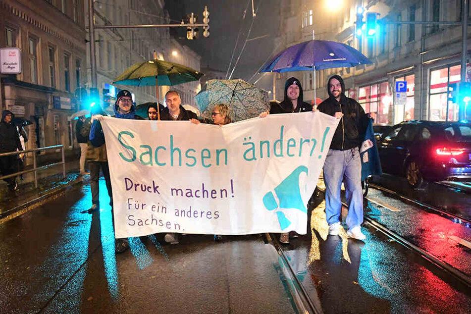 Eigentlich rechneten die Oragnisatoren der Anti-Sachsen-Demo mit zahlreichen Teilnehmern.