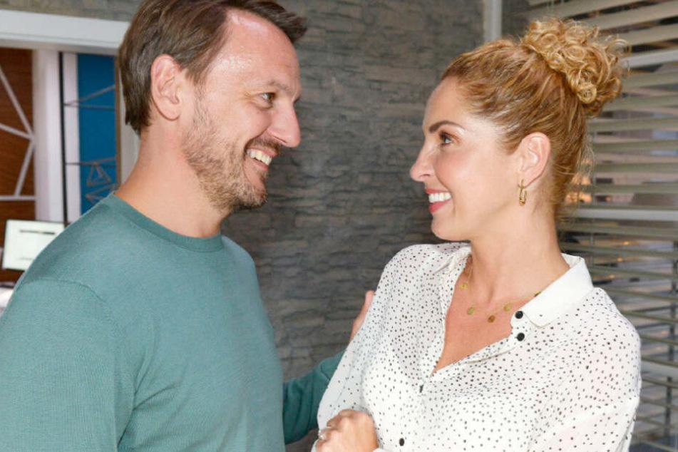 Nina und Robert haben sich erst kürzlich verlobt.
