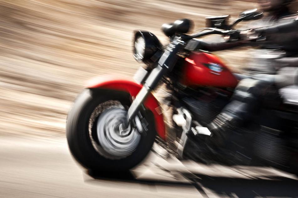 Ein Lkw-Fahrer übersah am Montagmorgen einen Harley-Fahrer und krachte in ihn.
