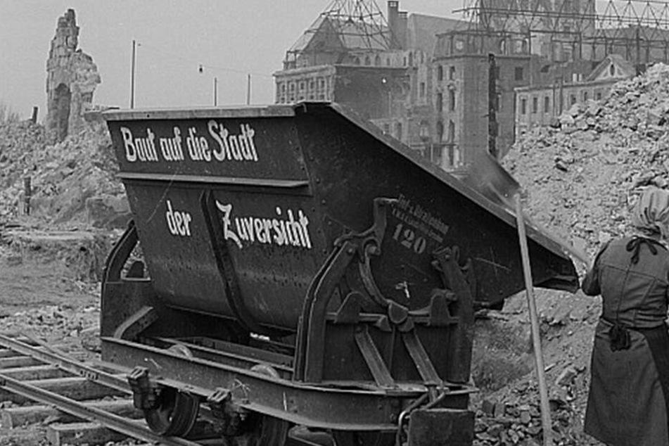 Über Trümmerbahnen wurde tonnenweise Schutt aus der Innenstadt gebracht.