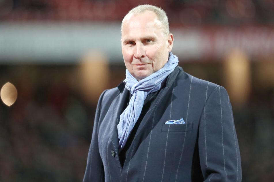 Aue-Präsident Helge Leonhardt hat offiziell bestätigt, dass Drews Trainer bleibt.