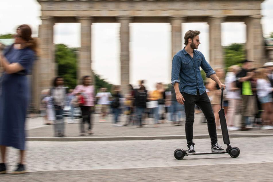 """Audi steigt ins E-Scooter-Geschäft ein! Das kann der """"e-tron Scooter"""""""