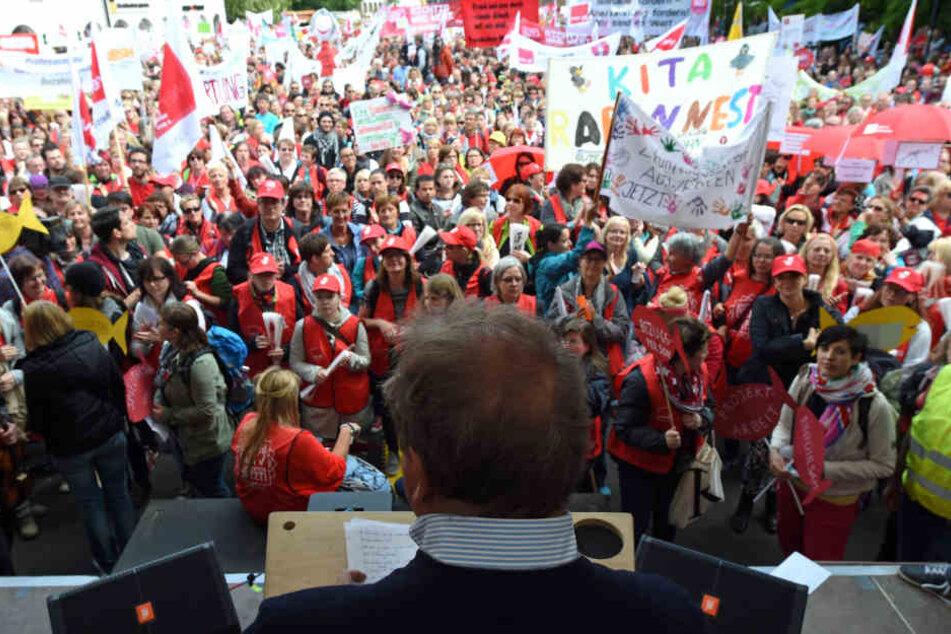 Mehrere hundert Demonstranten werden in der Gießener Innenstadt erwartet (Archivbild).