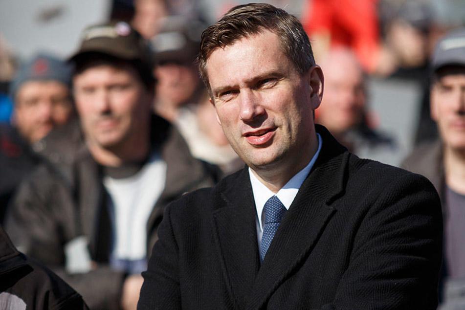 Wirtschaftsminister Martin Dulig (43, SPD) kämpft für die beiden sächsischen  Bombardier-Standorte.