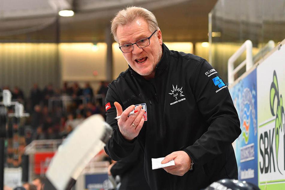 Eislöwen-Coach Franz Steer war mit der Chancenverwertung nicht zufrieden.
