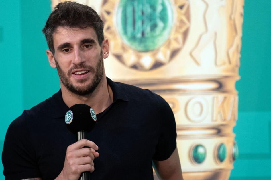 Javi Martínez rückt in die Innenverteidigung, um sich gegen Dortmund einzuspielen.
