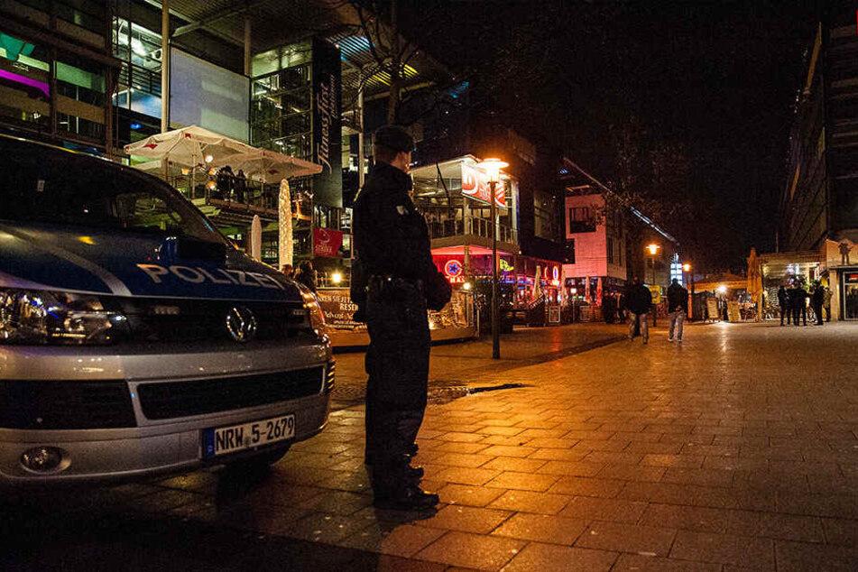 """Auf der Partymeile """"Boulevard"""" ist jetzt abends vermehrt Polizei unterwegs."""