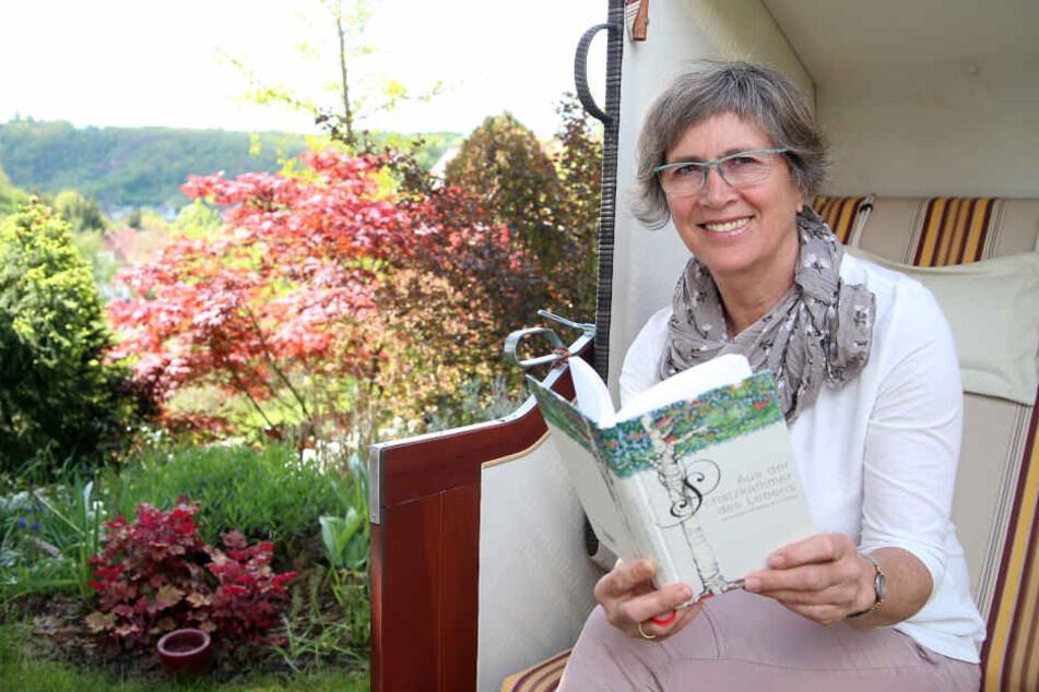 Annette Brück (61) im Strandkorb. Träume verschiebt sie jetzt nicht mehr auf morgen. Sie stieg aus dem Hamsterrad aus.