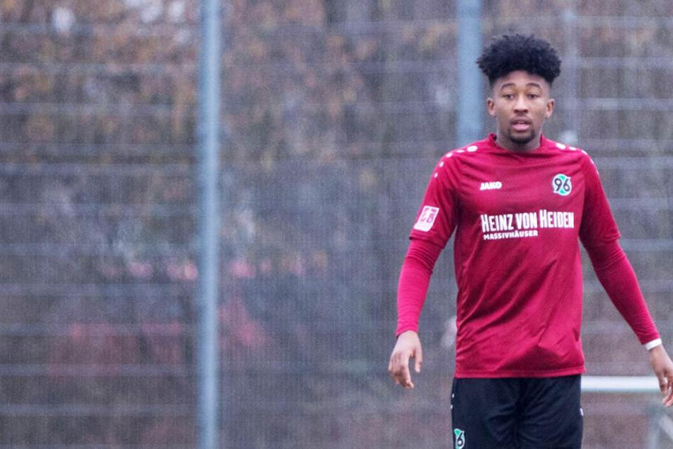 Rassismus-Skandal in Deutschland: Fans beleidigen Spieler übelst!