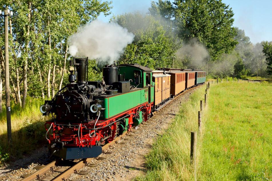 Überfall nicht ausgeschlossen: Bei der Traditionsbahn Radebeul wird es vor allem am Sonntag actionreich.