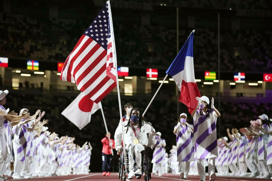 Wheelchair basketball player Matt Scott was Team USA's flag bearer at the closing ceremony.