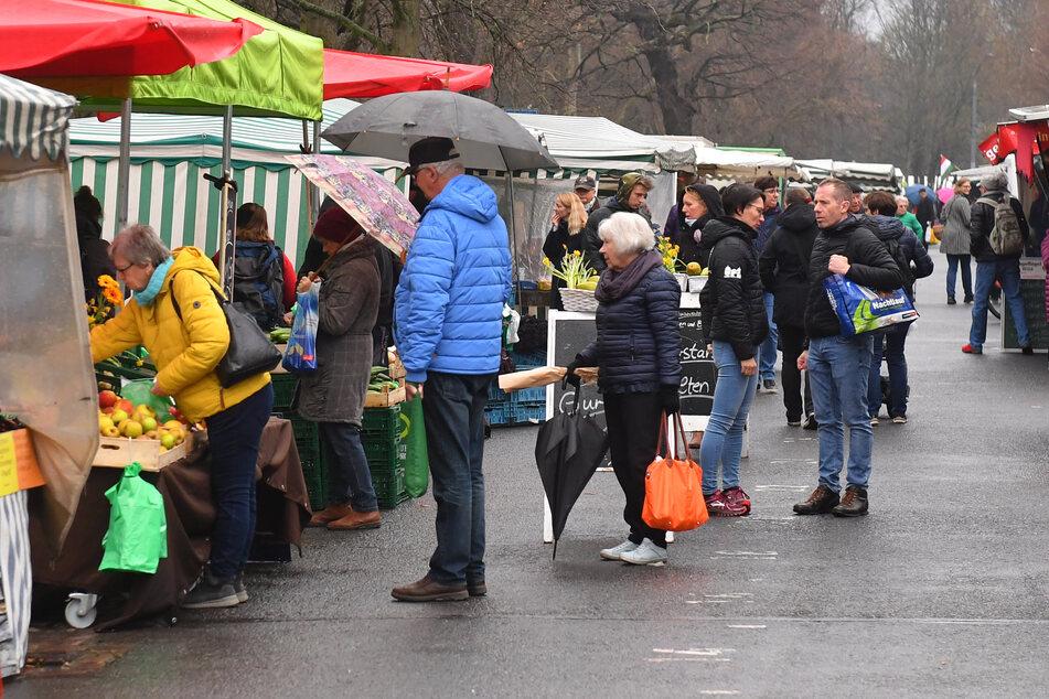 Der Wochenmarkt an der Dresdner Lingnerallee.
