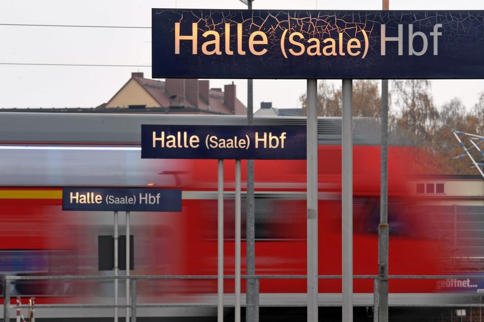 Der betrunkene Mann wurde am Vormittag am Hauptbahnhof Halle aufgegriffen. (Symbolbild)