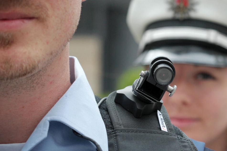 Polizeistreifen bald immer mit Bodycams unterwegs?
