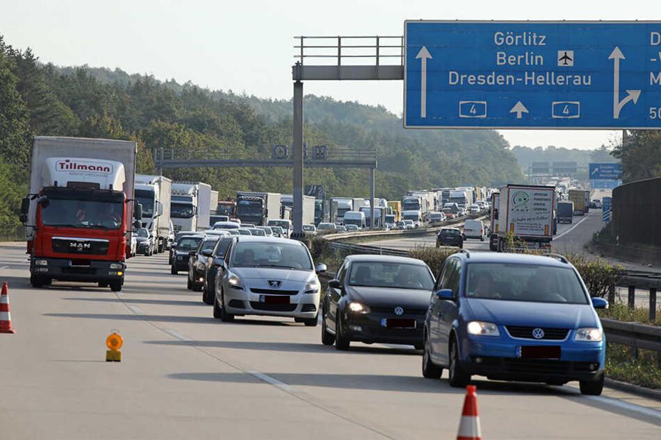 Ob vor oder hinter der Elbbrücke - die A4 in Dresden ist eine Dauer-Staufalle.