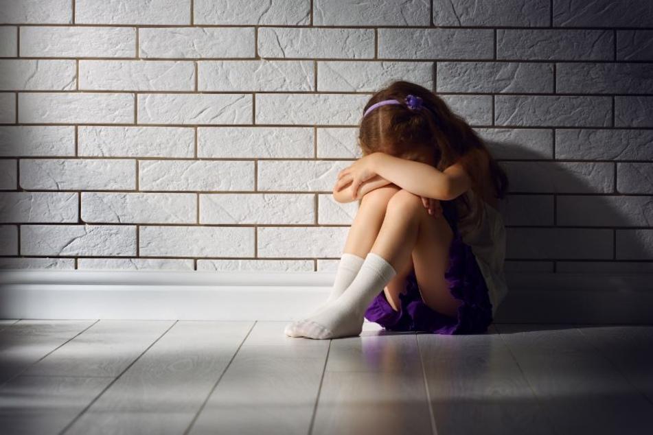 Wie grausam kann eine Mutter zu ihrem Kind nur sein? (Symbolbild)
