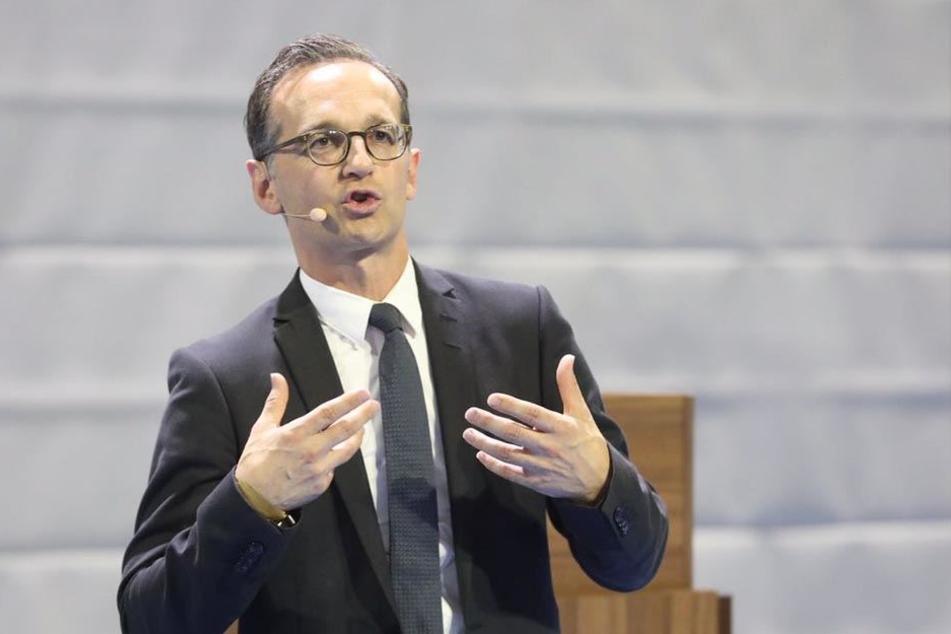 Bei seinen Ausführungen nimmt Heiko Maas die Hände zu Hilfe.