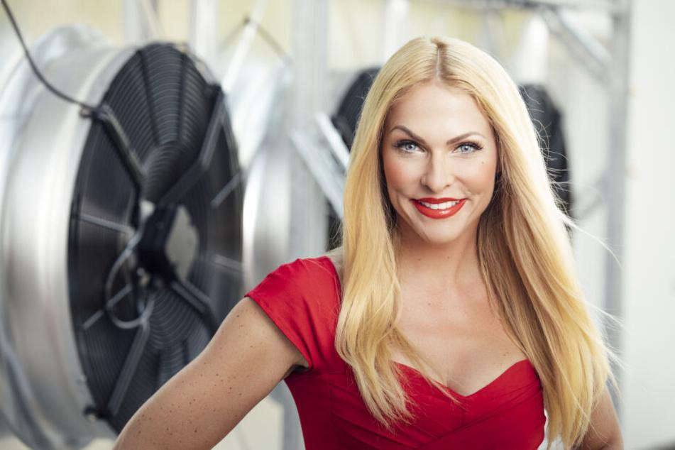 Style-Beichte! Das trägt TV-Blondine Sonya Kraus privat