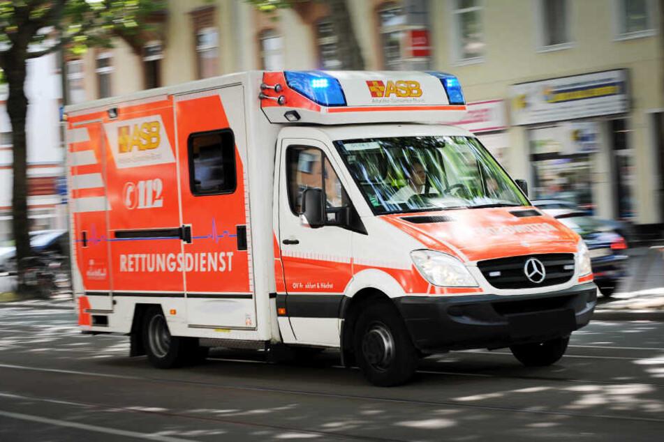 Der 36-Jährige musste vom Rettungsdienst versorgt werden.