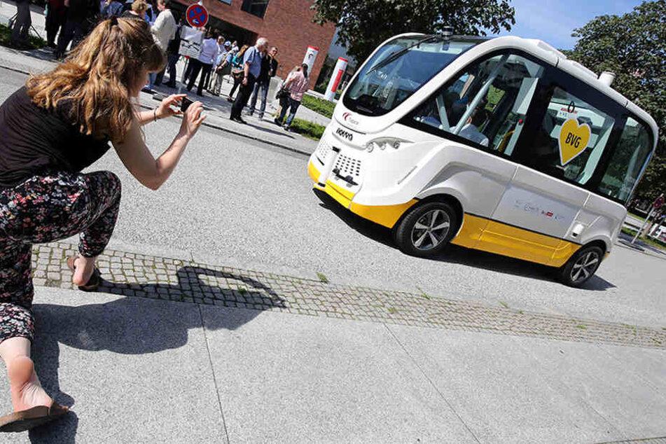 Berlin hat ab Frühjahr 2018 ein neues Fotomotiv zu bieten: die autonomen Kleinbusse auf dem Charité-Gelände.