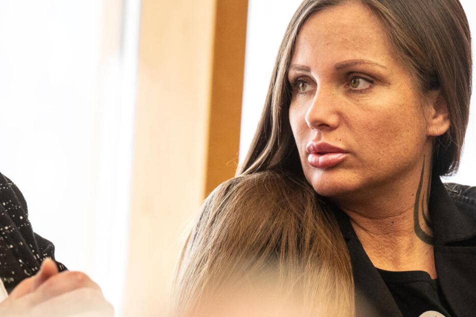 Das Foto vom 28. Februar zeigt Rapperin Schwesta Ewa im Bundesgerichtshof in Karlsruhe.