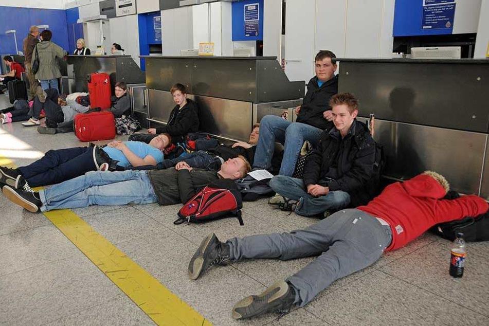 Flughafen verbietet Passagieren das Schlafen