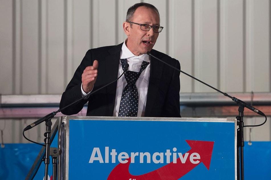 Sachsens AfD-Chef Jörg Urban verurteilte das rechtsradikale Verhalten einiger Mitglieder aus dem Vogtland (Archivbild).