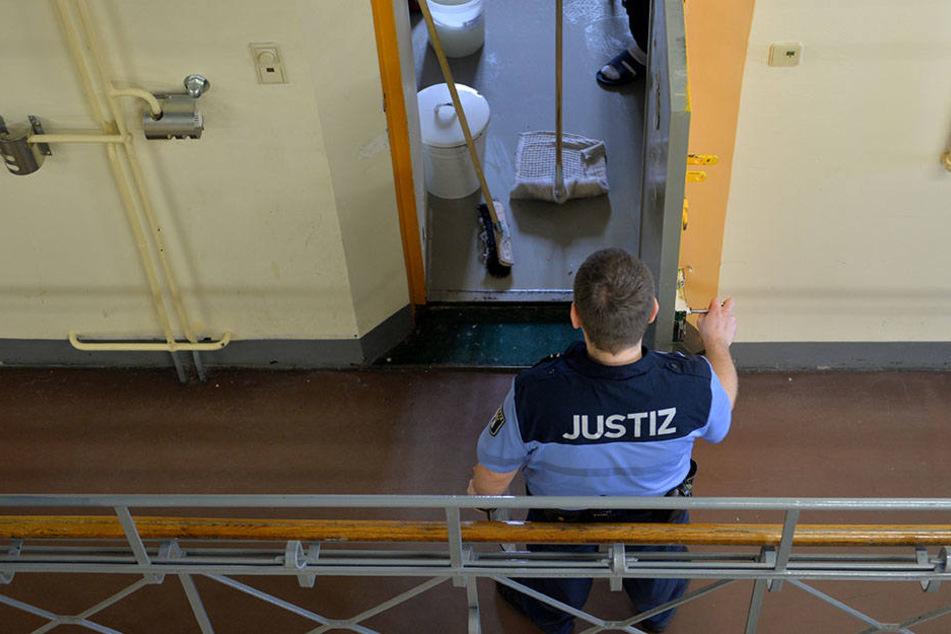 In Berliner Gefängnissen wird immer wieder geschmuggelt. (Symbolbild)