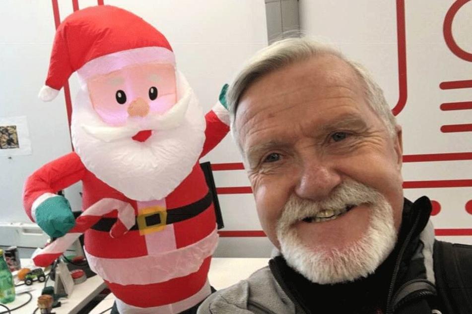 Adrian Pearce in freudiger Weihnachtsstimmung.