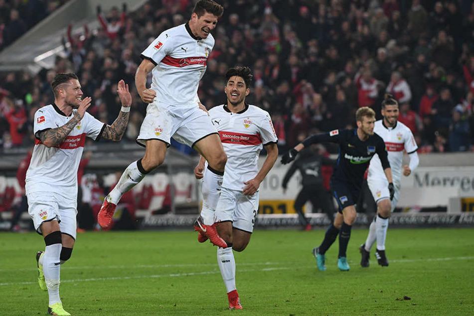 Gomez jubelt über den Treffer.