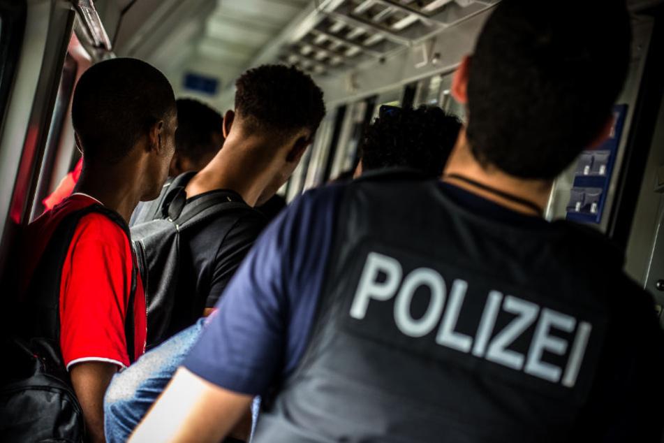 Afghanische Ehepaare schmuggelten illegale Einwanderer nach Deutschland