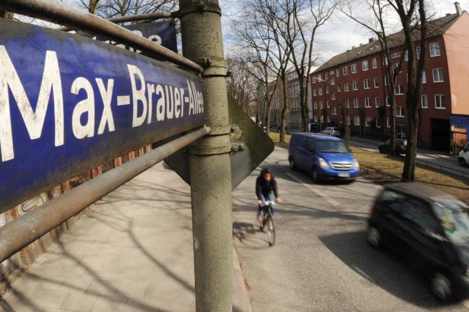 Die Max-Brauer-Allee zählt zu einer der meist befahrenen Straßen Hamburgs.