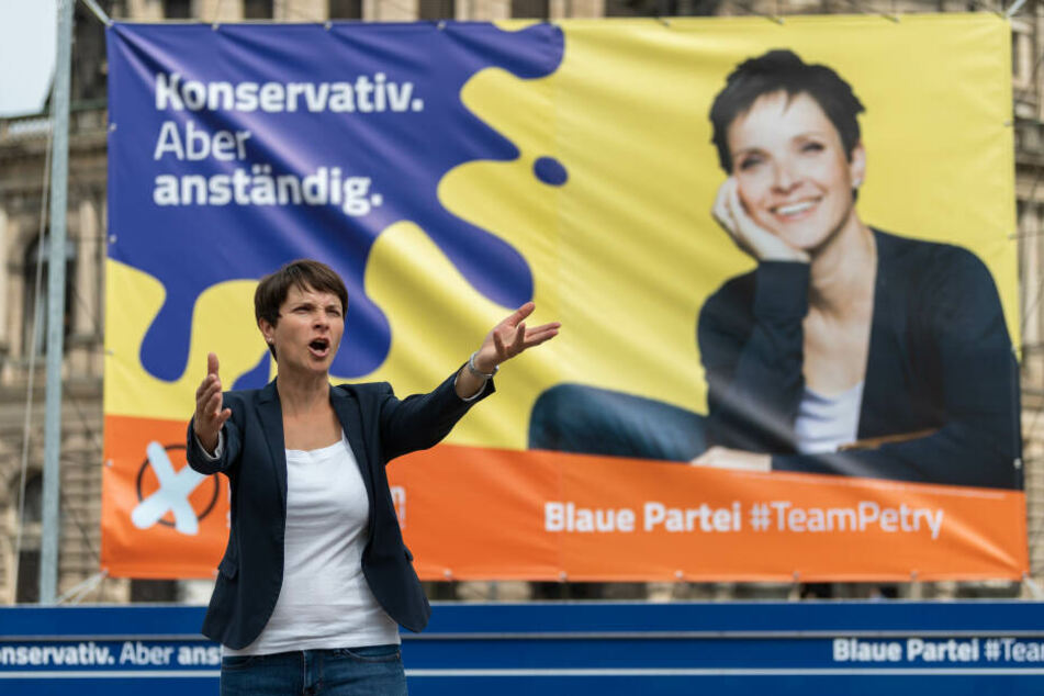 """Die Vorsitzende der """"Blauen Partei"""" bei einer Wahlkampfveranstaltung in Dresden Ende Juli."""