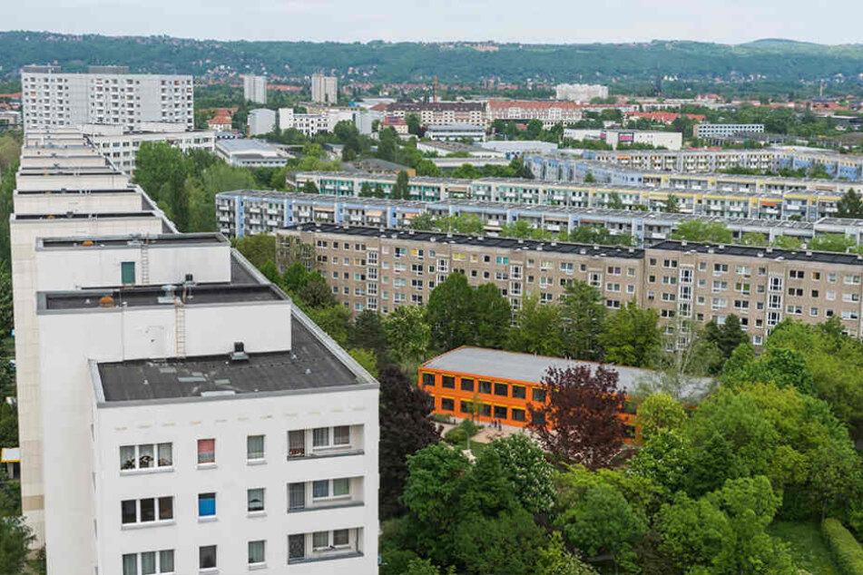 Nachdem etliche Plattenbauten abgerissen wurden, soll die Woba wieder günstige Wohnungen schaffen.