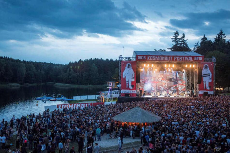 """Das """"Kosmonaut""""-Festival steigt seit 2013 jeden Sommer am Stausee Oberrabenstein in Chemnitz. Vor drei Jahren feierten Tausende den Auftritt der Beatsteaks."""
