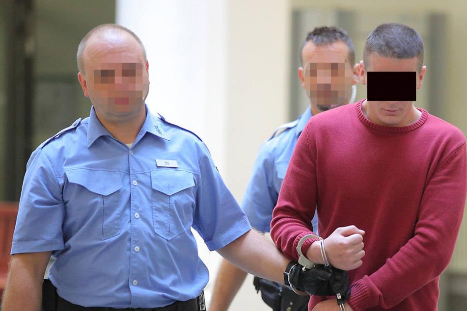 Einbrecher attackierte Ehepaar mit Messer