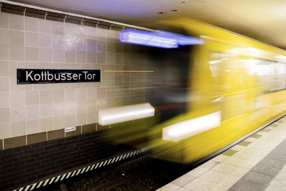 Berlin: Mann vor U-Bahn geschubst und getötet: Tatverdächtiger kommt frei!