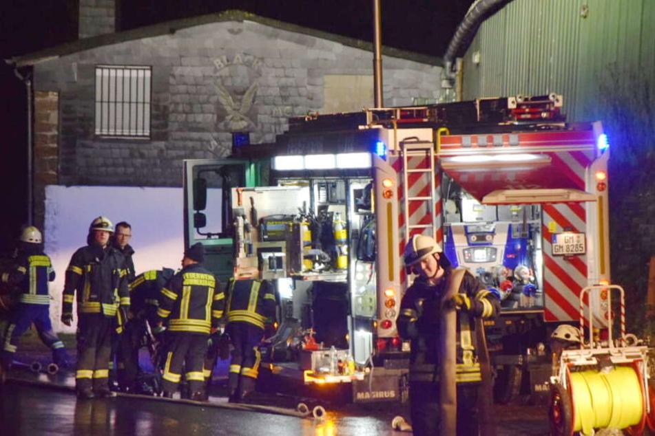 Zerstörung in Gummersbach: Clubgelände der Hells Angels in Flammen