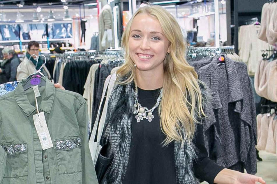 Bloggerin Luise Morgeneyer (22)  alias KleinstadtCarrie wird live von der Shoppingnacht berichten.